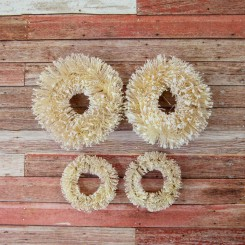 Christmas In The Country Sisal Wreaths - Prima Marketing